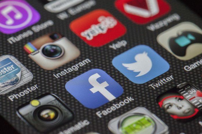 media społecznościowe algorytm funduszy hendgingowych